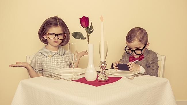 awkward-silences-during-date-2