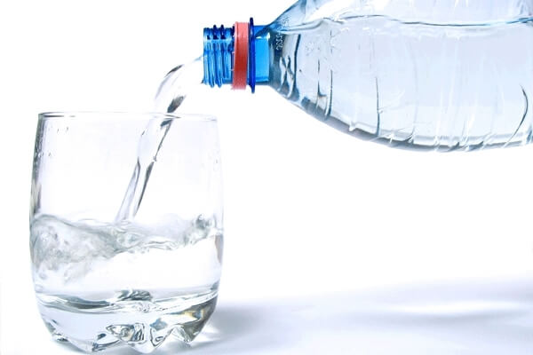benefits-drinking-one-gallon-water-2