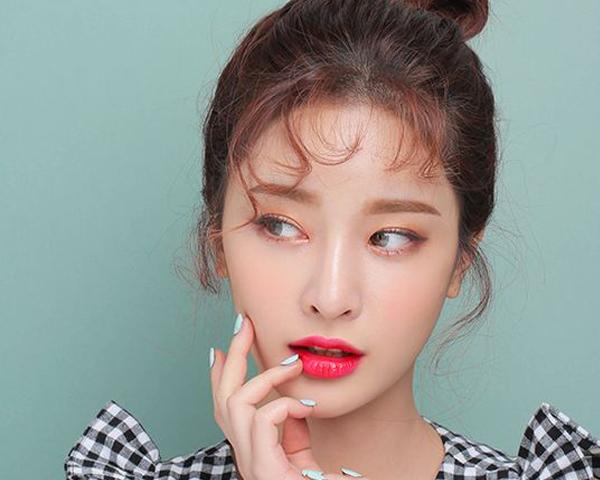5 วิธีแต่งตาสไตล์สาวเอเชียสำหรับมือใหม่ (ฉบับง่ายสุดและสวยสุด!)