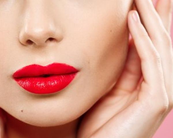 ปากแดงใครว่าแรง วันธรรมดาก็ทาได้สวยๆ