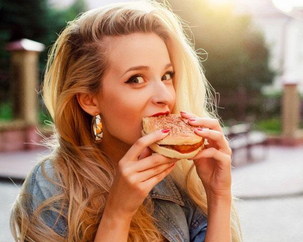"""อาหารที่ถูกเข้าใจผิดว่าทานแล้ว""""ไม่อ้วน"""""""