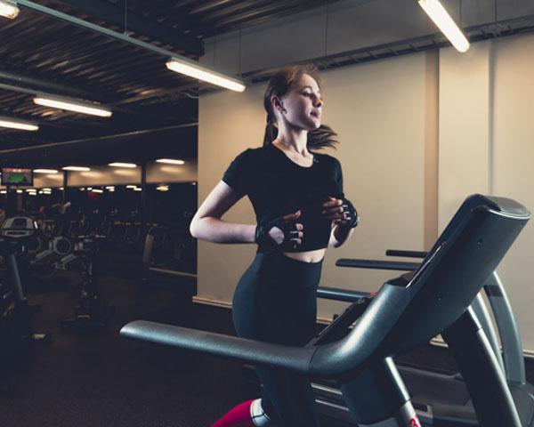 เข้าฟิตเนสออกกำลังกายครั้งแรก ทำตัวยังไงไม่ประหม่า