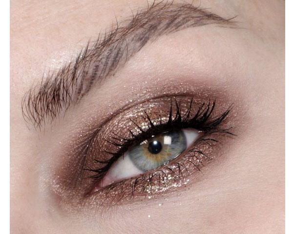 มาเรียบ ๆ แต่ปังทุกสถานการณ์ 8 ไอเดียแต่งตาสีน้ำตาล สีเบสิคแต่ออกงานได้สบาย ๆ