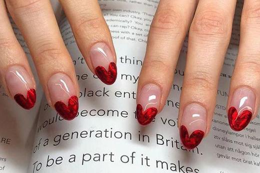 nails-polish-valentines