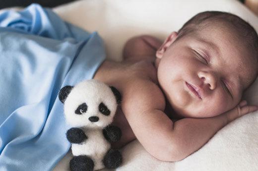 วิธีจัดการ-กับลูกน้อย-ที่ชอบ-นอนตกเตียง